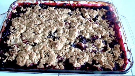 Golden Berry Crumble
